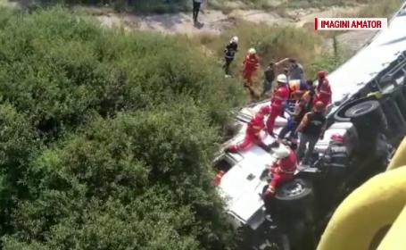 Un TIR s-a răsturnat pe o șosea din Olt. La volan, un cetățean bulgar