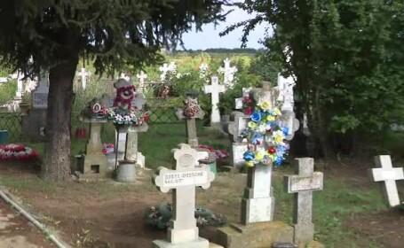 Motivul pentru care doi minori din Satu Mare au distrus într-o noapte 56 de morminte