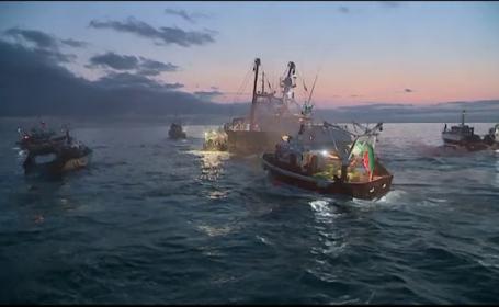Vase de pescuit franceze și britanice s-au războit pe Canalul Mânecii. Disputa a pornit de la scoici