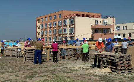 """""""Habitat for Humanity"""" va construi 8 case în 5 zile pentru familii nevoiașe. Se caută 100 de voluntari"""