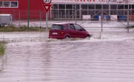 România, măturată din nou de furtuni violente. Pagube uriașe în mai mule