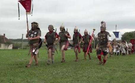 Festival despre istorie. Soldaţi romani şi gladiatori au \