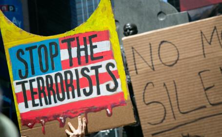 """AFP, despre atacurile din SUA: Țara se confruntă cu ameninţarea """"terorismului alb"""""""