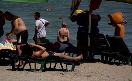 Românii trimit CV-uri de pe plajă. Mulți își schimbă joburile chiar din concediu