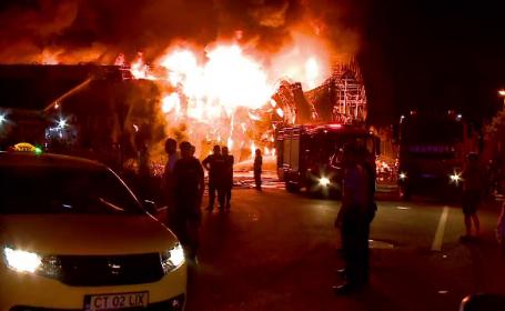 GALERIE FOTO. Imaginile şocante ale incendiului de la clubul din Mamaia
