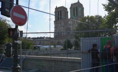 Șantierul de la Notre Dame, închis