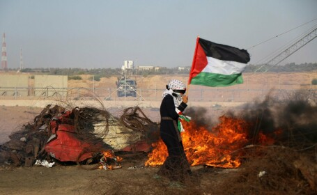 Avioane de luptă israeliene au lovit Fâşia Gaza, în replică la un atac cu rachete