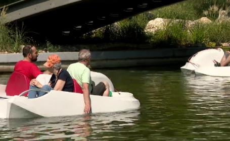 Salba de lacuri a Capitalei, nemodernizată de 30 de ani, sursă ieftină de distracție