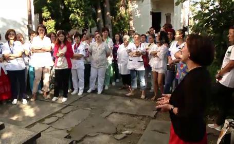 """Protest spontan la Spitalul de Boli Infecţioase din Braşov. """"Ne ameninţă tot timpul"""""""
