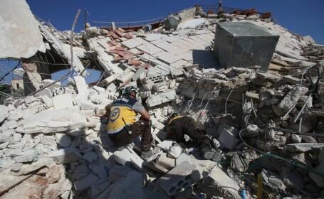 VIDEO dramatic din Siria. Un om este salvat de sub dărâmături, după un bombardament