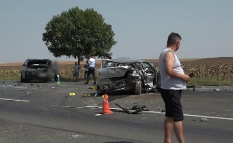 Accident groaznic lângă Buzău. Bucăţi din mașini împrăştiate pe sute de metri