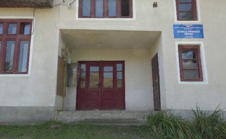 """""""300 de scoli cu toaleta în curte"""" la deschiderea anului școlar. Ministrul Breaz: """"Cifre îmbucurătoare"""""""