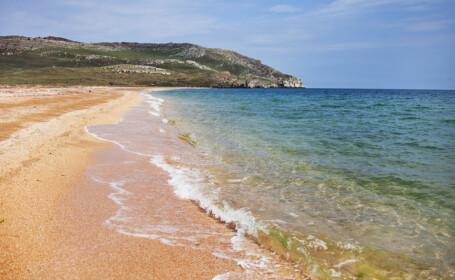 plaja Opuk din Crimeea