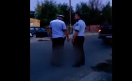 Copil lovit de mașină, lăsat să zacă în stradă fără ca polițiștii sau ambulanța să intervină