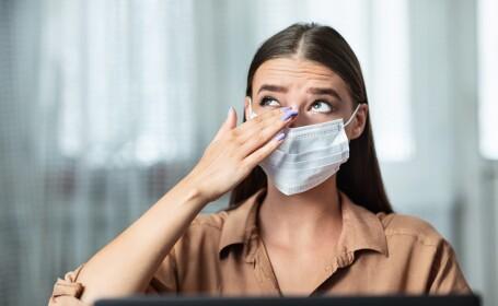 Coronavirusul se poate transmite şi prin ochi