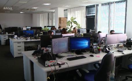 Studiu: 55% dintre angajați, îngrijorați de creșterea cazurilor de Covid-19 în România