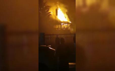 Tragedie în Onești. Un băiat autist a murit ars de viu în casa părinților