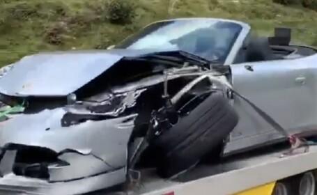 Porsche distrus într-un accident cu un Bugatti, pe o șosea de munte