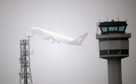 Aeroportul din Bacau, inchis din cauza cetii. Probleme si pe cel din Iasi