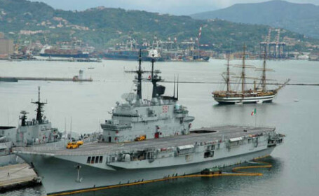 Piratii somalezi au capturat inca trei nave