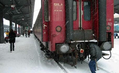 Masina spulberata de tren, la Predeal! Doi morti si circulatie blocata