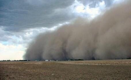 Furtuna de praf