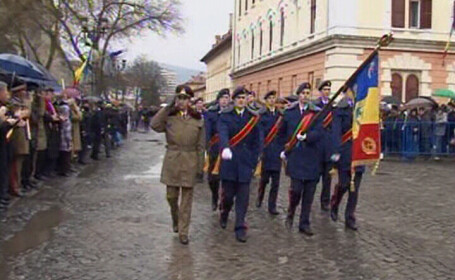 2000 de militari au defilat la minus un grad in Capitala,de Ziua Nationala