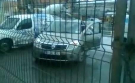 Video FABULOS. Vei ramane complet blocat cand vei vedea cine conduce acest Sandero