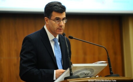Lucian Croitoru, consilierul guvernatorului BNR: Colectati mai mult, dar nu cresteti taxele