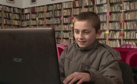 Copiii pot sa-si vada si sa vorbeasca gratuit pe internet cu parintii plecati in strainatate