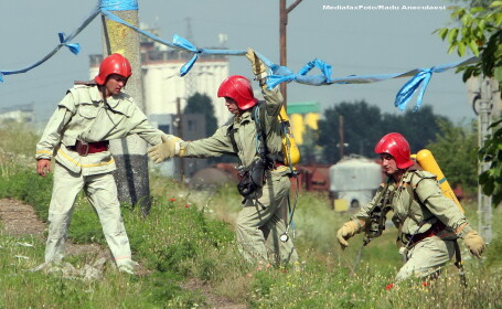 Pericol de explozie in Brasov. Un tren a lovit o cisterna incarcata cu 20 de tone de combustibil