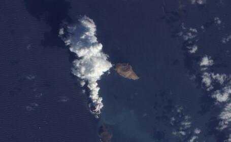 O noua insula a aparut pe Terra. Imagini in premiera facute publice de NASA. FOTO