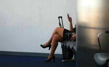 O stewardesa si-a pierdut locul de munca dupa ce a scris un mesaj agresiv pe pagina sa de Facebook