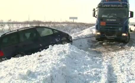 Circulatia pe autostrada Bucuresti-Constanta, ca pe un drum judetean care n-a fost deszapezit