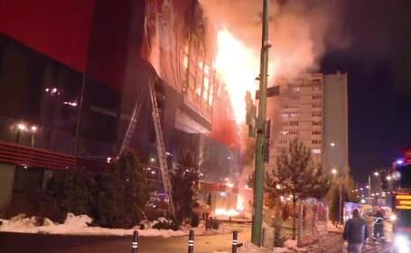 Incendiu mall Brasov