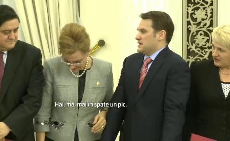 VIDEO: Gafele noilor ministri ai Romaniei la juramant. Basescu: \