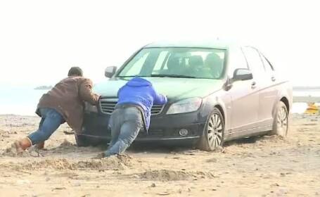 Masina ramasa in nisip