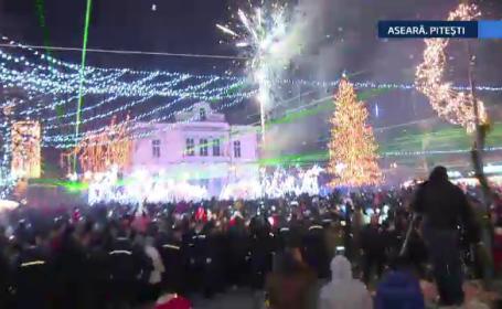 Mai multe orase din tara au prins culoare de 1 Decembrie. Au fost aprinse luminile de Craciun
