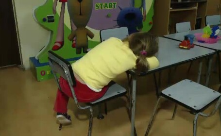 copil abandonat la gradinita