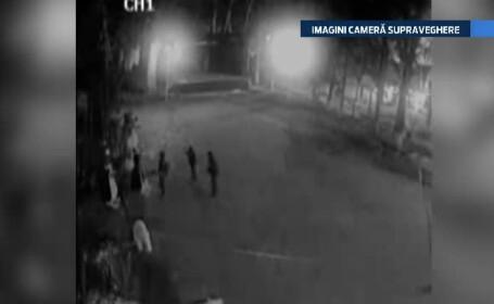 Mos Craciun, vandalizat in Dambovita. Trei liceeni au fost filmati in timp ce stricau figurinele