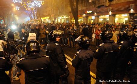 Jandarmeria: Incidentele de la protestul de duminica, provocate de membri ai galeriilor sportive