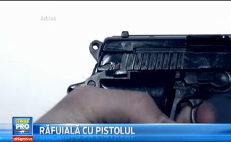 Mai multe focuri de arma au tulburat aseara tihna unei familii din comuna Feleac, judetul Cluj