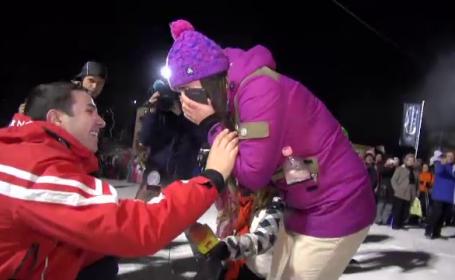 Sezonul de schi, lansat fara zapada la Predeal. Un tanar si-a cerut iubita in casatorie pe partie