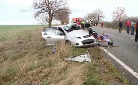 Doi morti si doi raniti, intr-un accident rutier. Un autoturism si un camion s-au ciocnit