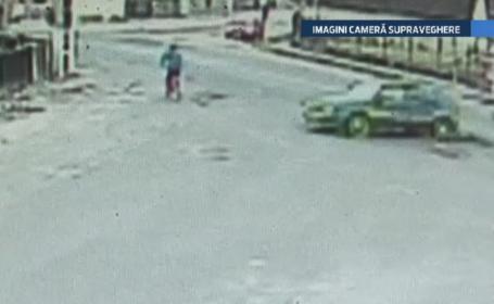 Accident infiorator in Turda. Camerele de supraveghere au surprins momentul in care o femeie e spulberata de o masina