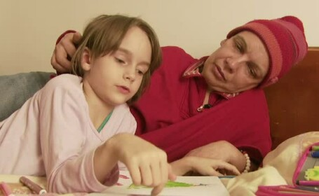 A fost parasita de iubit cand era gravida, s-a imbolnavit de cancer, iar apoi si-a pierdut slujba. Destinul trist al Claudiei