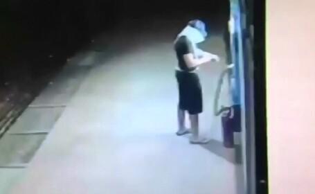 A vrut sa arunce in aer un bancomat, insa calculul gresit era sa il coste viata. Ce a lasat hotul in urma lui