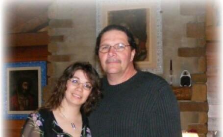 Pastorul american care s-a insurat cu iubita adolescenta, pe care a lasat-o insarcinata, avand binecuvantarea primei sotii