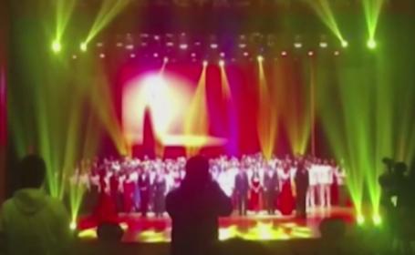 Panica in timpul unui spectacol din China. Cel putin 20 de studenti au fost raniti dupa ce scena s-a prabusit sub ei. VIDEO