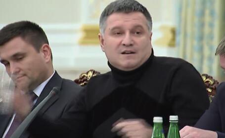 """Momentul in care ministrul de interne ucrainean il """"racoreste"""" pe guvernatorul Odessei. \"""
